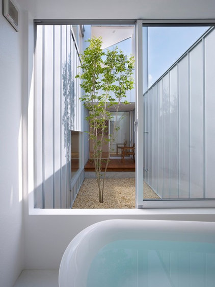 modern patio by Tomohiro Hata Architects & Associates