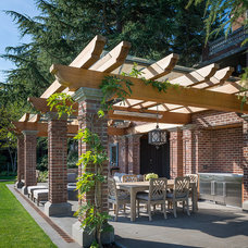 Traditional Patio by Conard Romano Architects