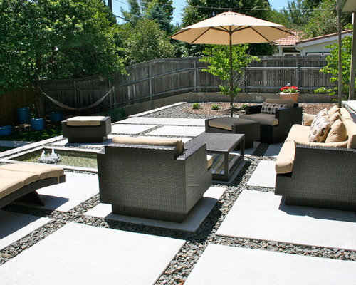 Example Of A Minimalist Front Yard Patio Fountain Design In Denver