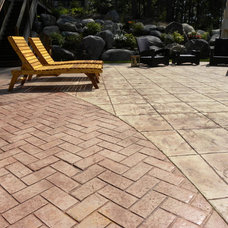 Traditional Patio by Waldmann Construction