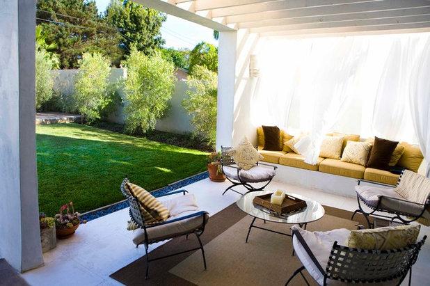 idea to steal balkon sichtschutz mit luftigen vorh ngen. Black Bedroom Furniture Sets. Home Design Ideas