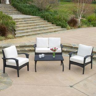 Patio - contemporary patio idea in Los Angeles