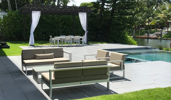 Contemporary Outdoor Living Area at Bay Point