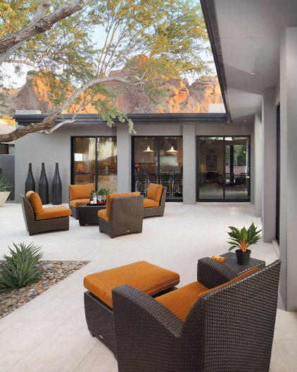 modern patio by Carson Poetzl, Inc.