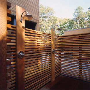 Example of a trendy outdoor patio shower design in New York
