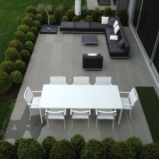 Contemporary Patio by d`apostrophe llc