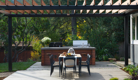What You Need to Know Before Adding a Pergola