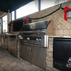 Traditional Patio by Jaime Cadorette - S&W Kitchens