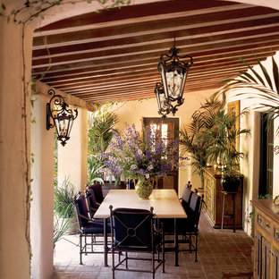 Photo of a country patio in Miami.