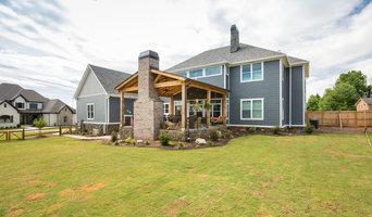 Corwin Custom Home: Backyard living area
