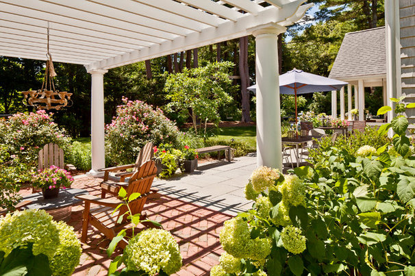 Traditional Patio by Sean Papich Landscape Architecture