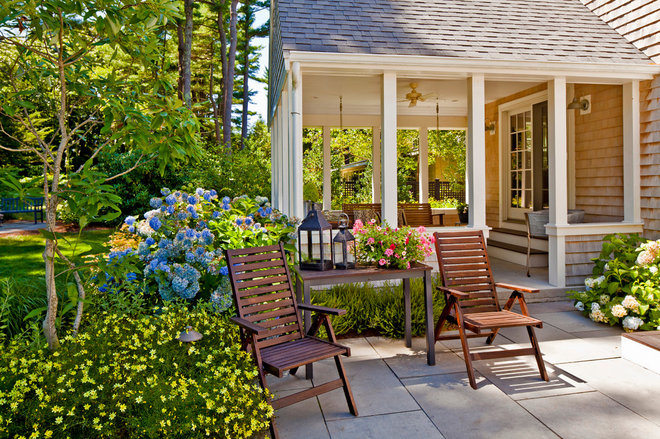 Traditional Patio by Sean Papich Landscape Architecture