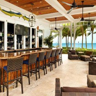 Immagine di un patio o portico stile marino