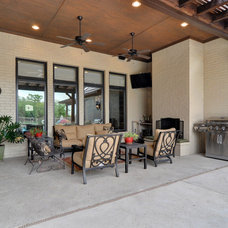 Traditional Patio by Braswell Homes Inc