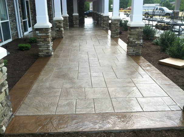 Traditional Patio by Swiss Village Concrete Ltd