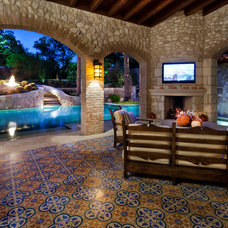 Mediterranean Patio by chas architects