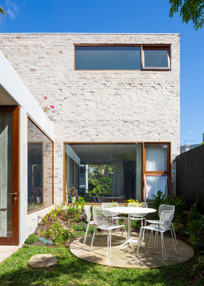Contemporary Patio by Aileen Sage Architects