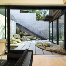 Modern Patio by HUTCHISON & MAUL