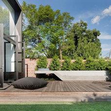 Contemporary Patio by Nixon Tulloch Fortey Architecture