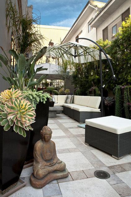 Contemporary Patio by Gregory Davis & Associates