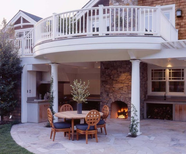 Traditional Patio by JMA (Jim Murphy and Associates)