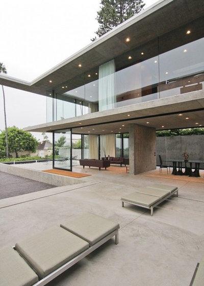 Moderno Patio by Western Window Systems