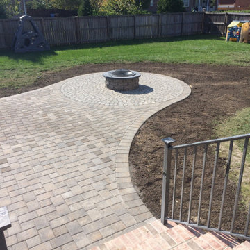 Curved Edge Patio with Fire Pit