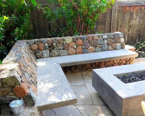 Chimenea de piedra patio design ideas remodels photos for Patios de piedra
