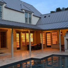 Traditional Patio by T-Olive Properties