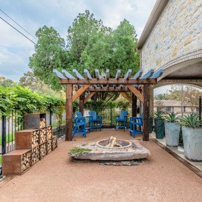 Patio - transitional patio idea in Dallas