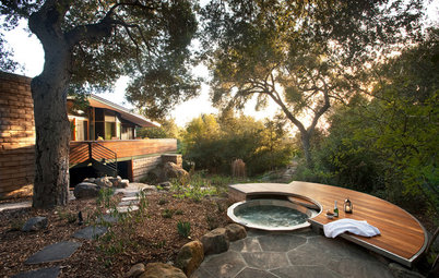 12 Naturally Beautiful Hot Tubs