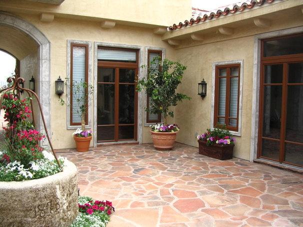 Mediterranean Patio by Gaulhofer Windows