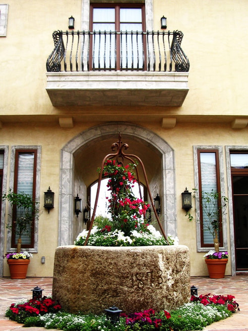 Mexican style courtyard home design ideas pictures for Mediterranean balcony ideas