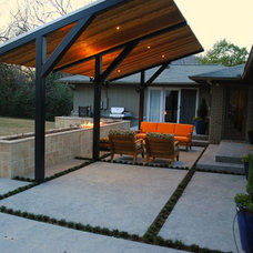 Modern Patio by LandPatterns, Inc