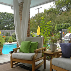 traditional patio by Sarah Greenman