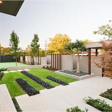 Contemporary Patio by DDB Design Development & Building