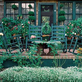 ニューヨークのヴィクトリアン調のおしゃれなテラス・中庭の写真