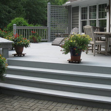 Traditional Patio Deck