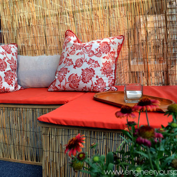 Decorating a small apartment balcony
