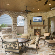 Traditional Patio by LRO Residential