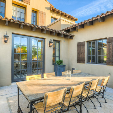 Desert Dwelling for Sports Enthusiasts   Outdoor Dining