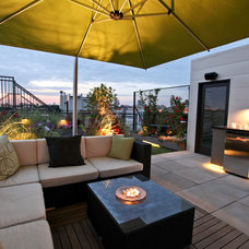 Contemporary Patio by Chicago Green Design Inc.