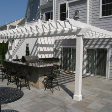 Traditional Patio by ML Curadossi Design