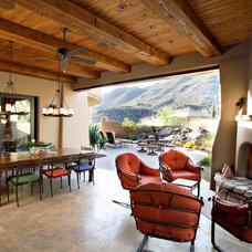 Southwestern Patio by Robinette Architects, Inc.