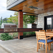 Contemporary Patio by Dyna Contracting