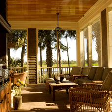 Traditional Patio by Solaris Inc.