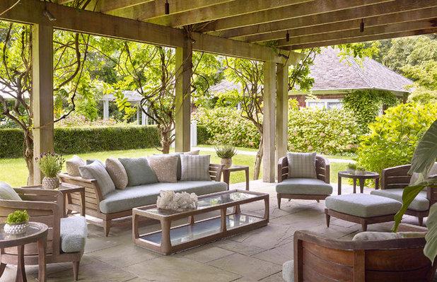 Traditional Patio by Elizabeth Kohn Design