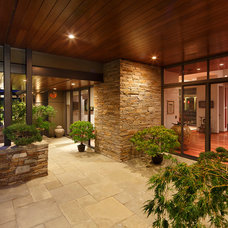 Contemporary Patio by Ward-Young Architecture & Planning - Lafayette, CA