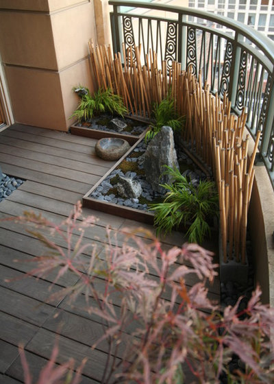Asian Patio by Chicago Specialty Gardens, Inc.