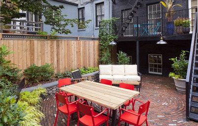 A Dynamic Backyard Design Embraces Its Urban Setting